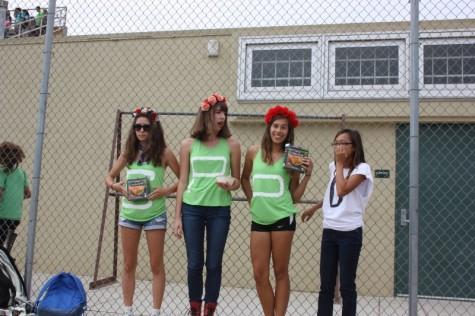From left to right: Seniors Vanessa Wilder, Ashley Kron, MIchaela Hoover and Dyanna Deguzman playfully pose.