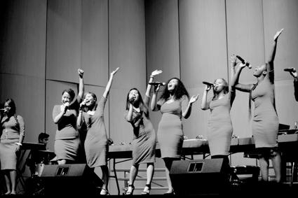 Singers Tear It Up Before Tear Down